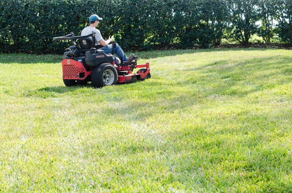 riding-lawn-mower